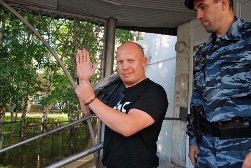 Александр Белов выступил в защиту политузника Алексея Колегова